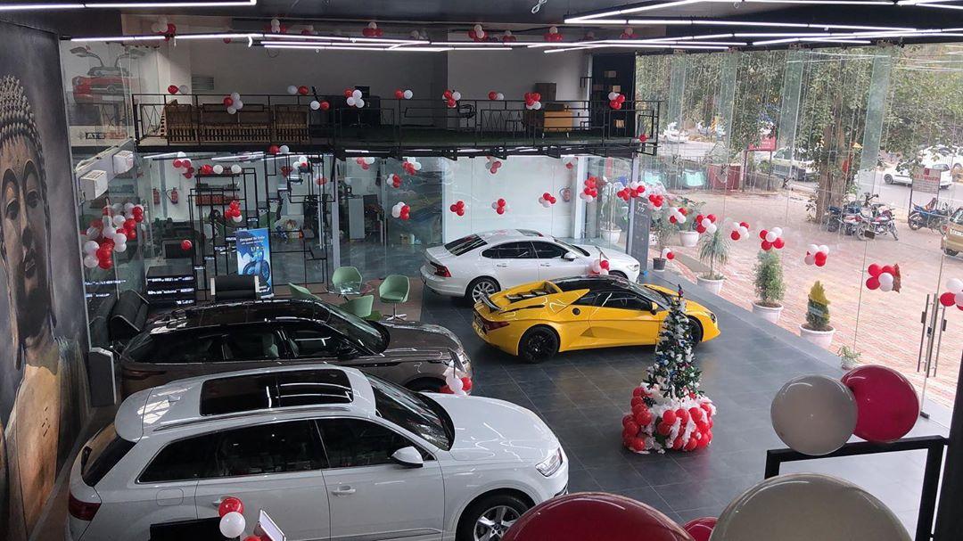 Why Royal Automotive Makes Car Shopping Easy!