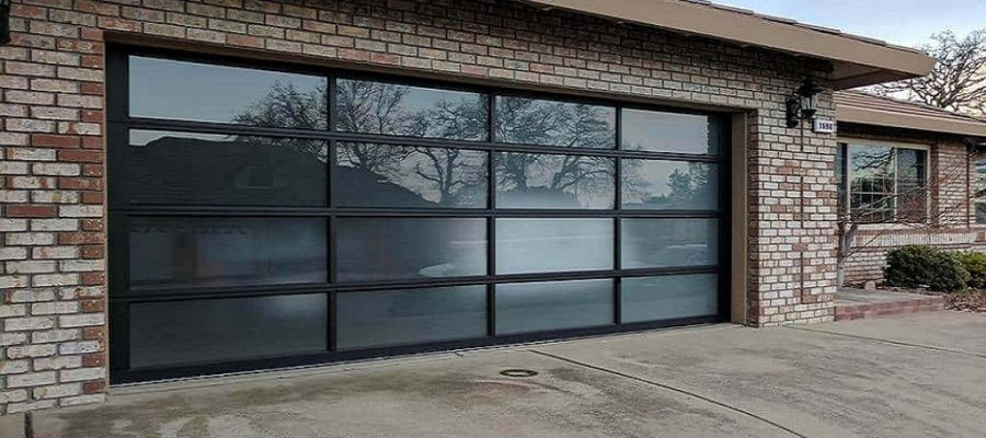 What Are The Positive And Negative Points Of Glass Garage Doors?